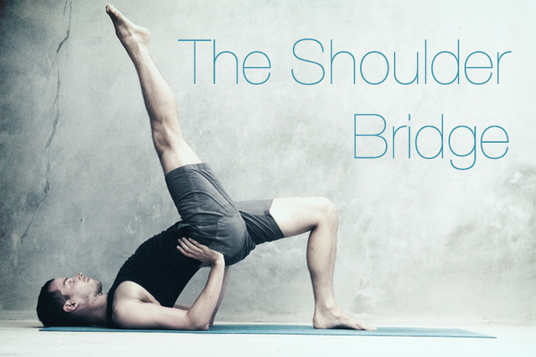 Shoulder Bridge: benefici su colonna e glutei